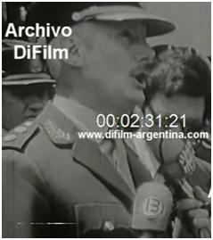 Alcides López Aufranc, comandante en jefe del Ejército con Lanusse, en un disurso en instalaciones castrenses que es tomado por un cronista de Canal 13 (1973) (ArchivoDIFilm)
